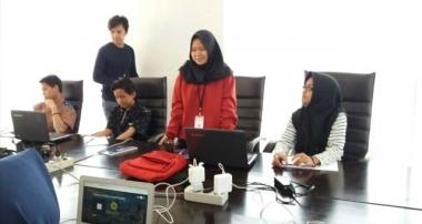 Pelatihan pembuatan Website oleh Relawan untuk Anak SMA Panti Asuhan Tebet
